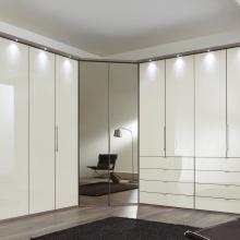 csm_025-schlafzimmer-modern-schranksystem-modern-loft-trueffeleiche-glas-magnolie-eckschrank.jpg_65f1fee7ff